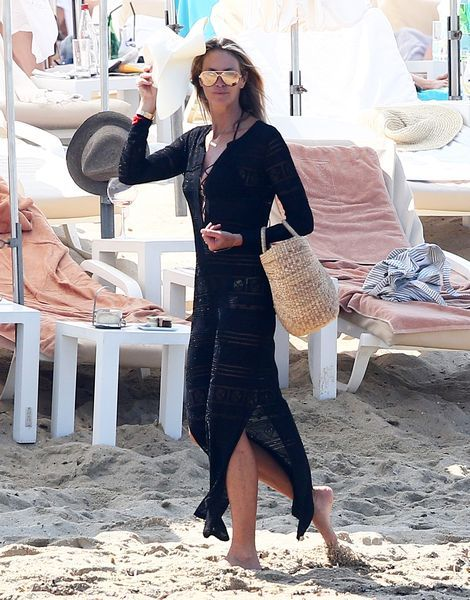 5900bc00720e77 Vacation Outfit Inspiration From Olivia Palermo