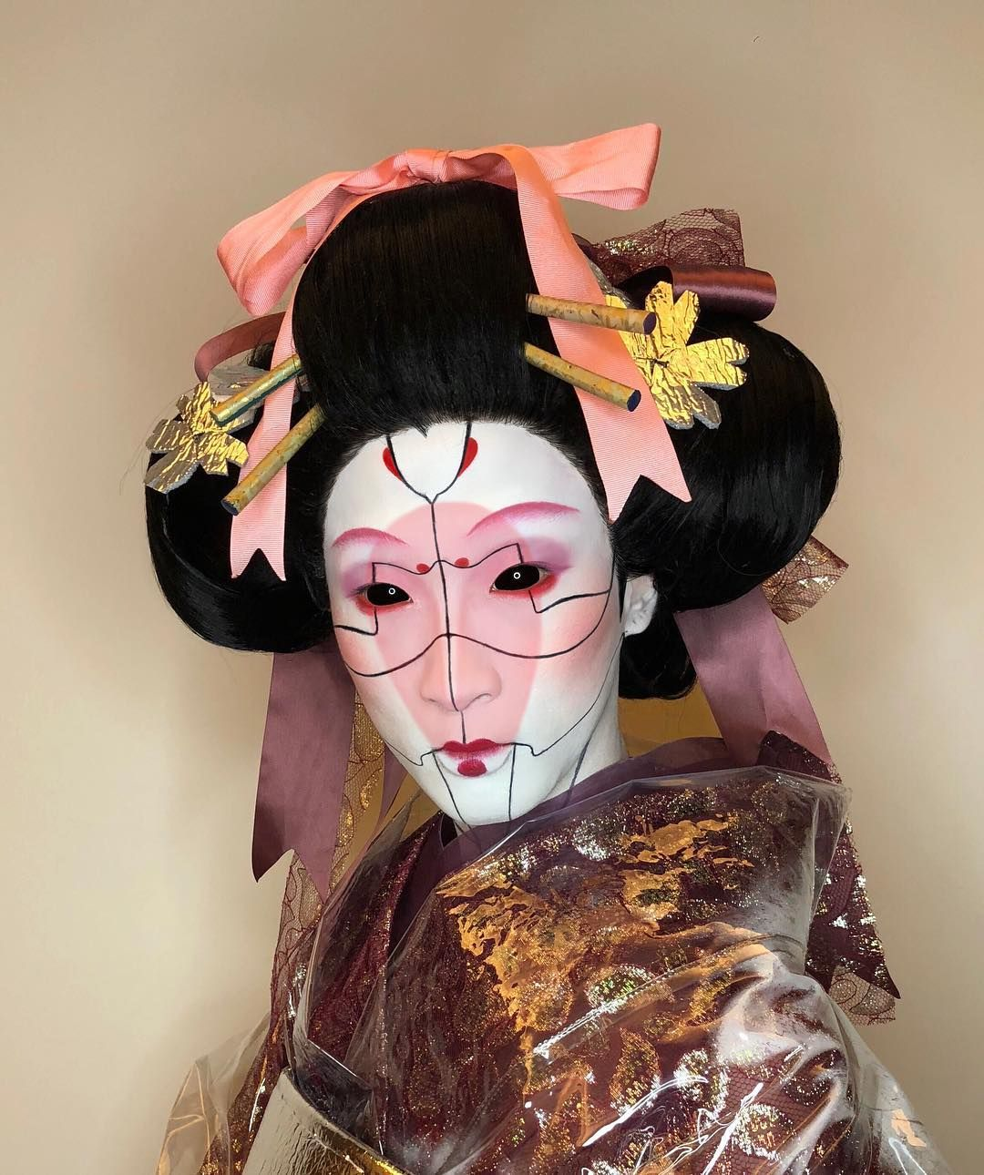 Porcelain Geisha Doll You Can T Afford Inspired By The Robot Geisha In Ghost In The Shell Geisha Mua Makeupartis Ghost In The Shell Geisha Art Geisha Makeup