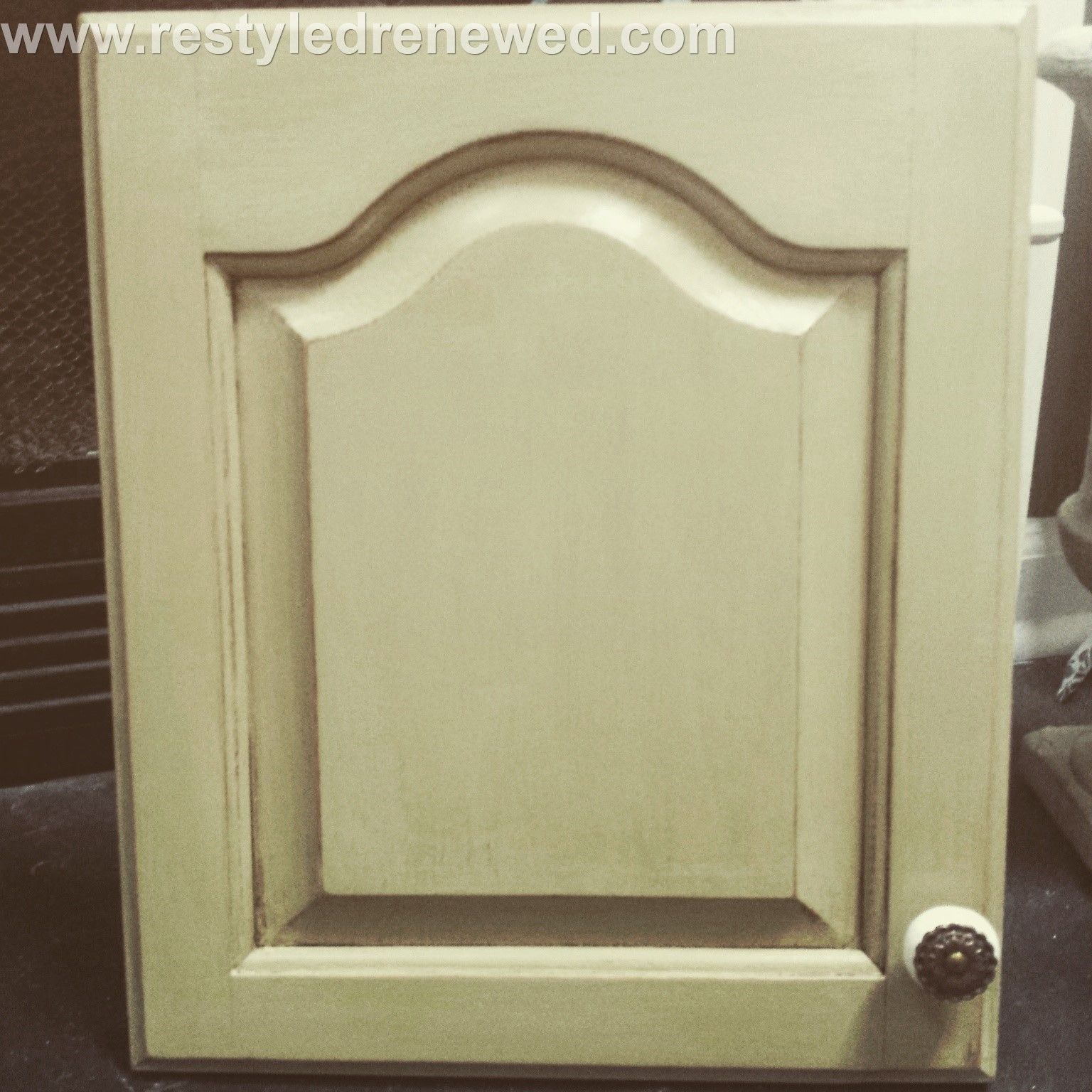 Dark Brown Chalk Paint Kitchen Cabinets: Annie Sloan Chalk Paint Kitchen Cabinet Painted Door