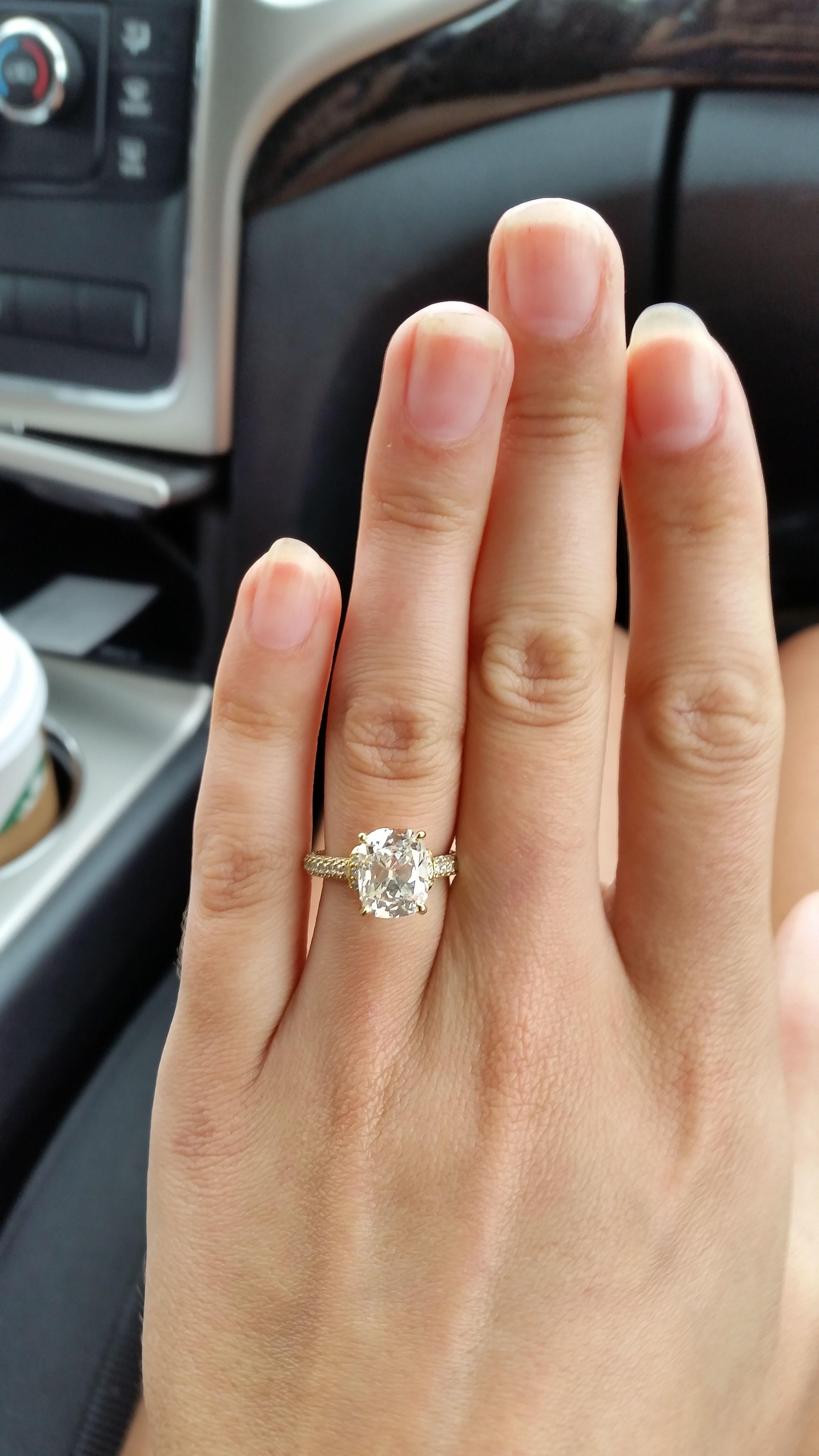 Show Me Your 2 5 Or 3 Carat Cushion Cut Diamond Weddingbee
