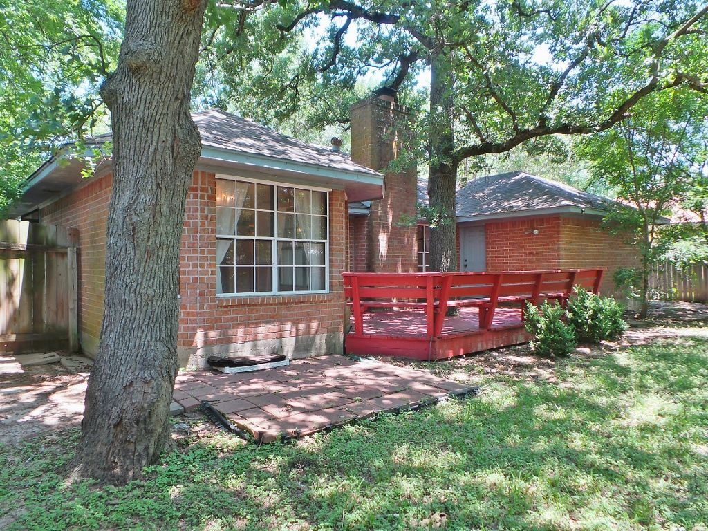 SOLD! Home in College Station ~ 1300 Hardwood! 3 Beds, 2 ...