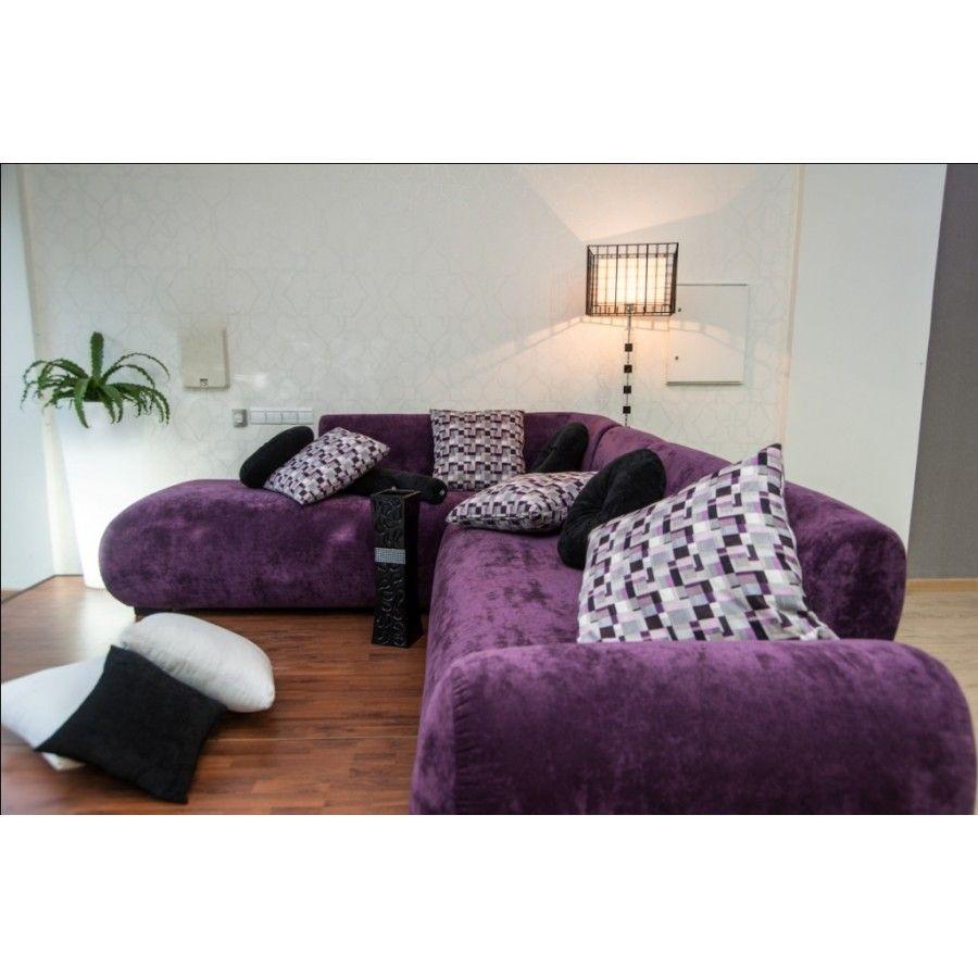 salon d 39 angle avec son pouf design unique sign sandra chic design tendance dans un style. Black Bedroom Furniture Sets. Home Design Ideas