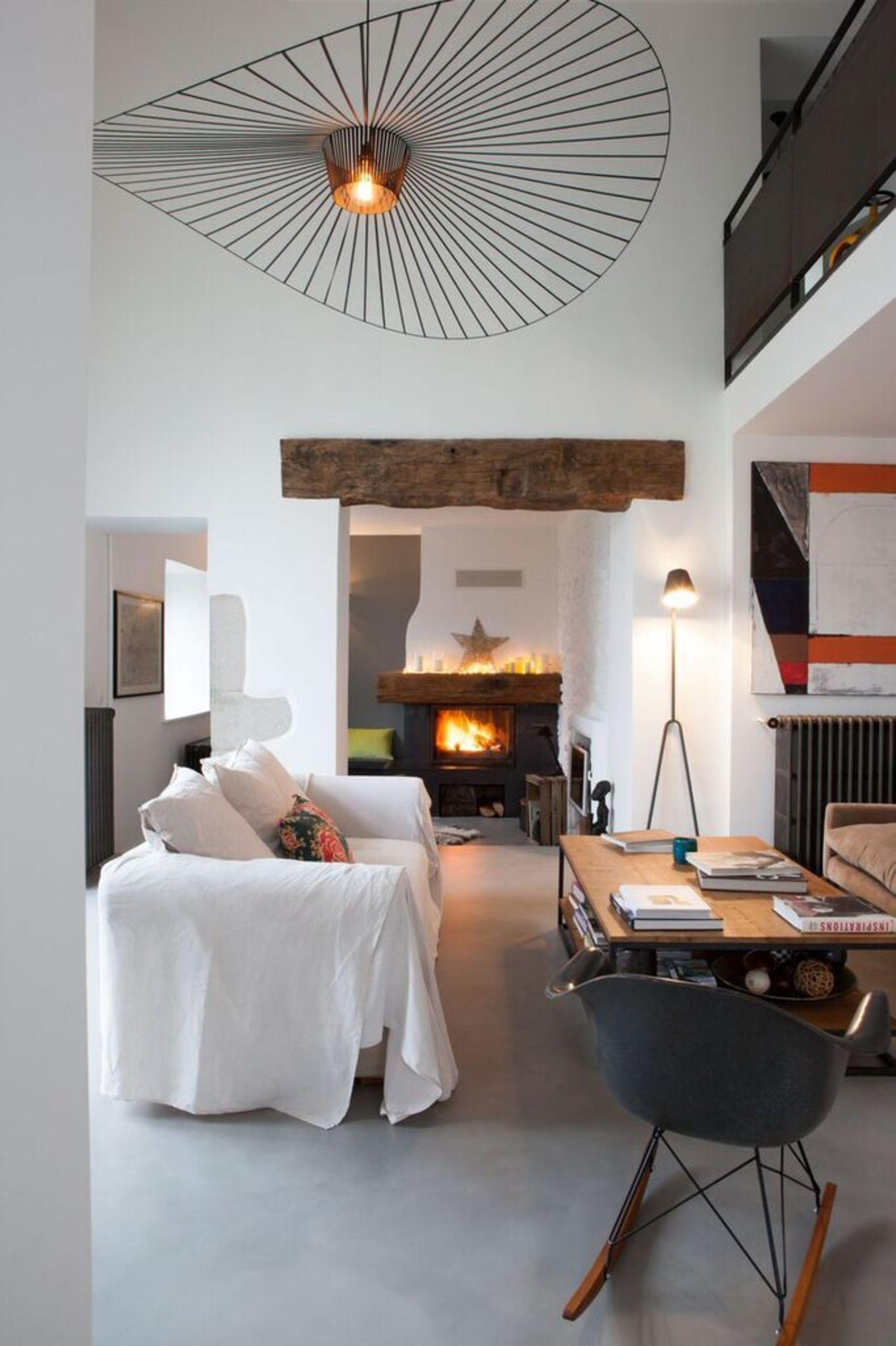 Piece Avec Grande Hauteur Sous Plafond Bien L Amenager Maison Haute Deco Salle De Sejour Inspiration Salon