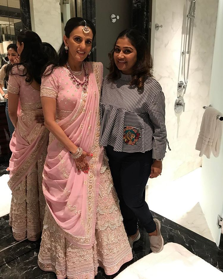 Mona Mehta All Set For Daughter Diya Mehta S Mehandi