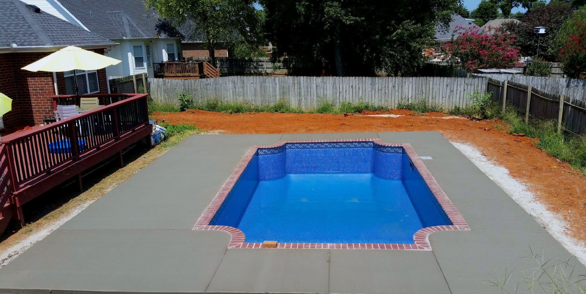 Pool And Spa Depot 14 X 25 Rectangle W Rounded Corners Concrete Wall Pool Red Brick Coping Broom Finished Co Concrete Pool Swimming Pools Pool Coping