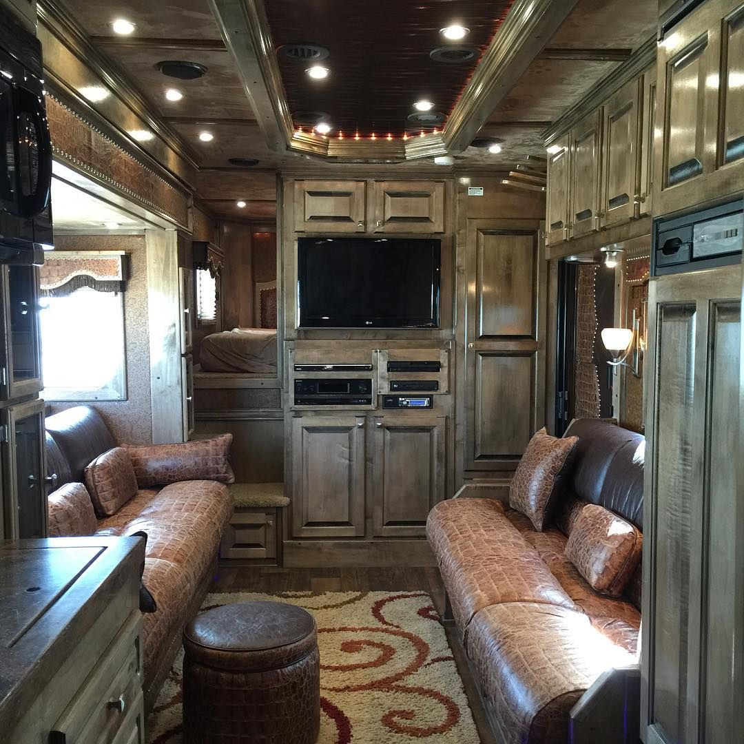 13 Spectacular Horse Trailer Living Quarters Back At The Barn With Kentucky Performance Products Horse Trailer Living Quarters Trailer Living Horse Trailers