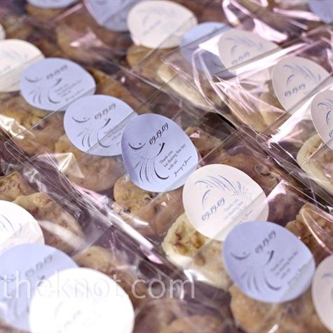 the couples mothers made their favorite cookies scandanavian butter cookies and chocolate chip cookie wedding favorscookie