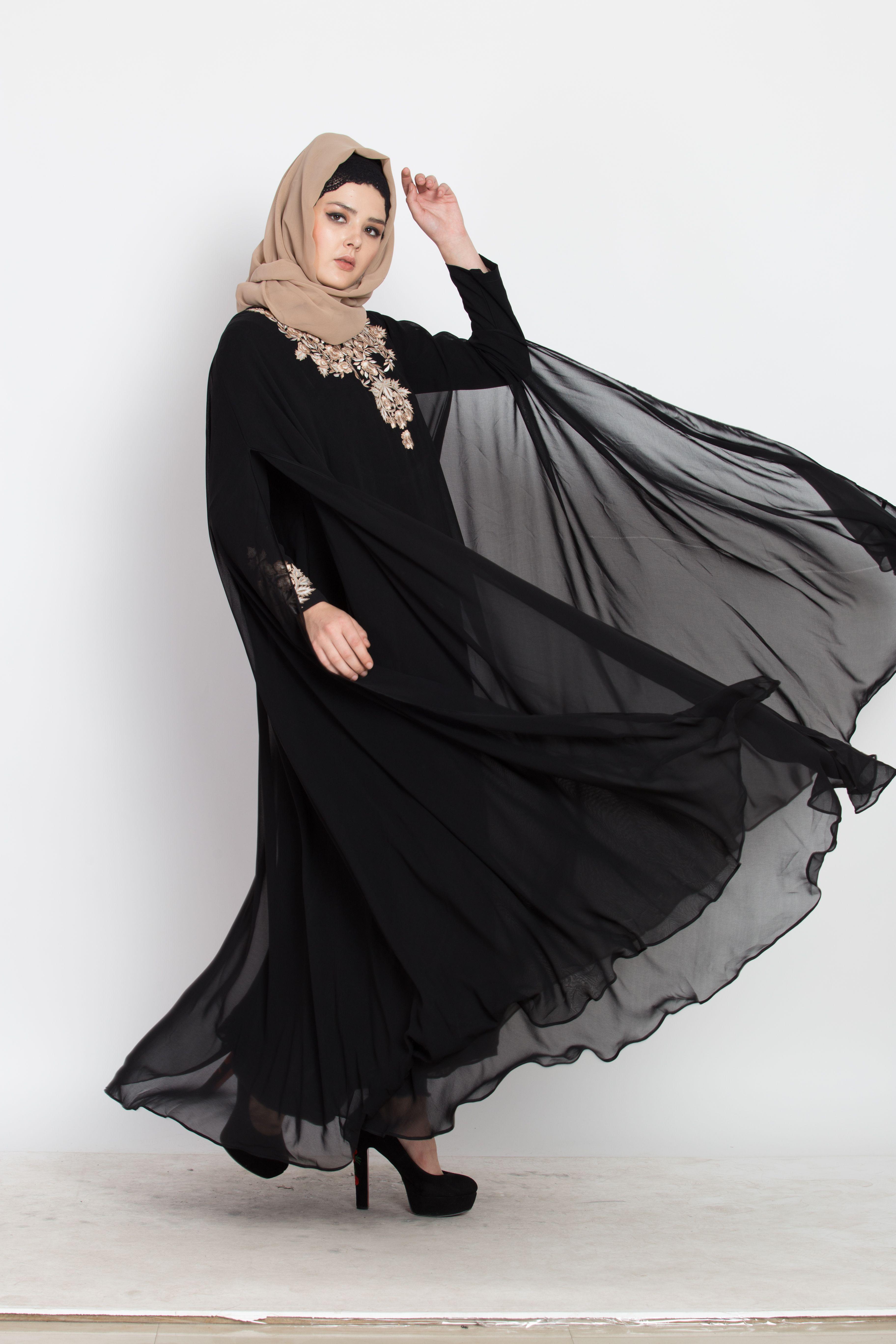 Two Piece Set of Dubai Style Designer Abaya Black Abaya