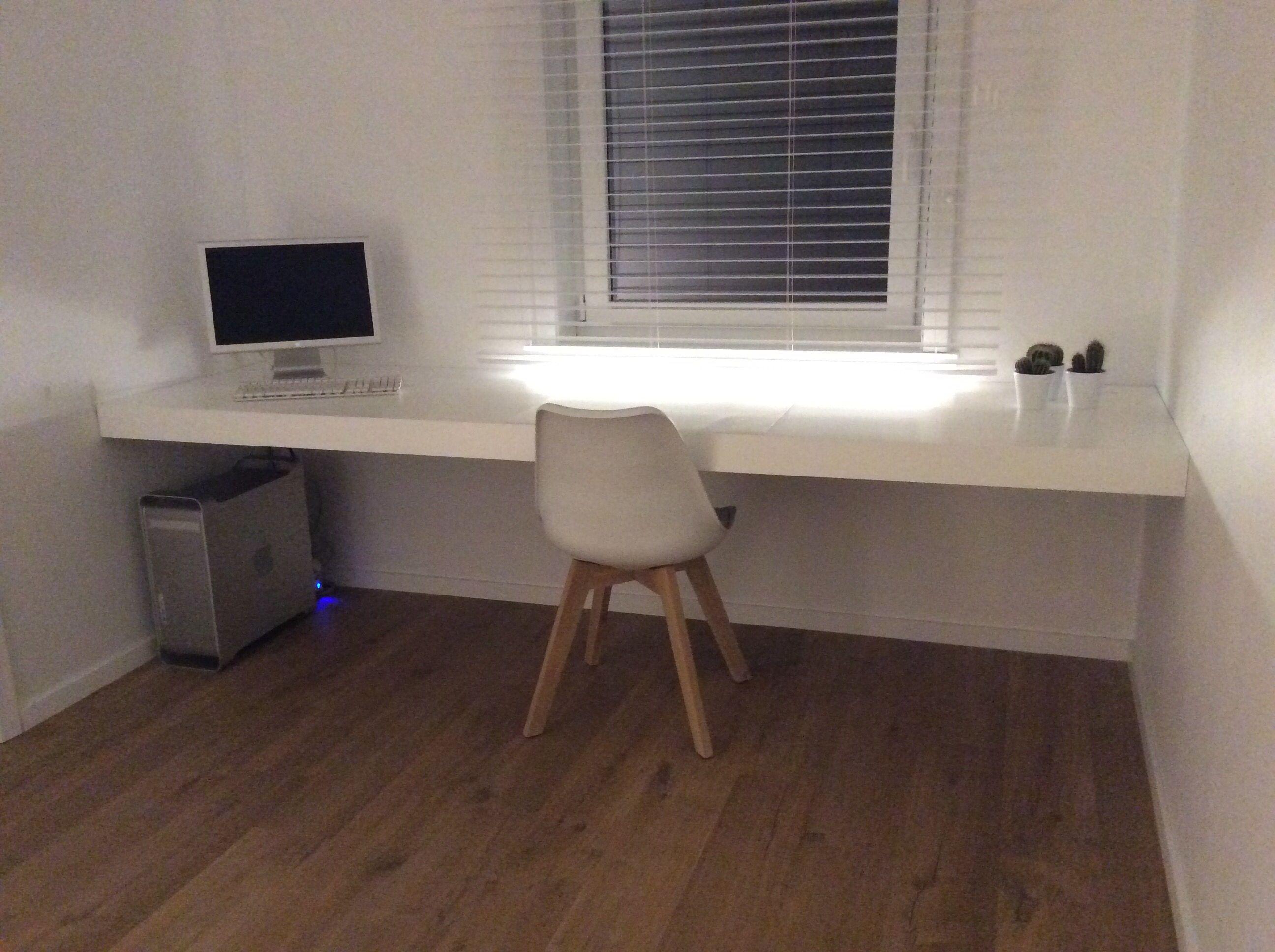 Bekend Zwevende #bureau zonder zichtbare steunen in #mdf | Apartment in XP64