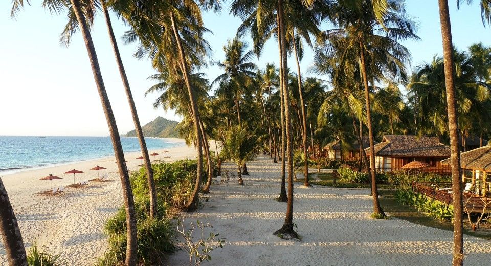 The Amara Ocean Resort Is Located At Pristine Beach Of Ngapali Burma S Most Beautiful Region Indian Coastline