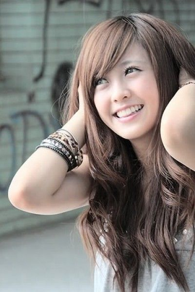 Cute Voluminous And Messy Hairstyle For Asian Women Asian Hair Long Hair Girl Asian Long Hair