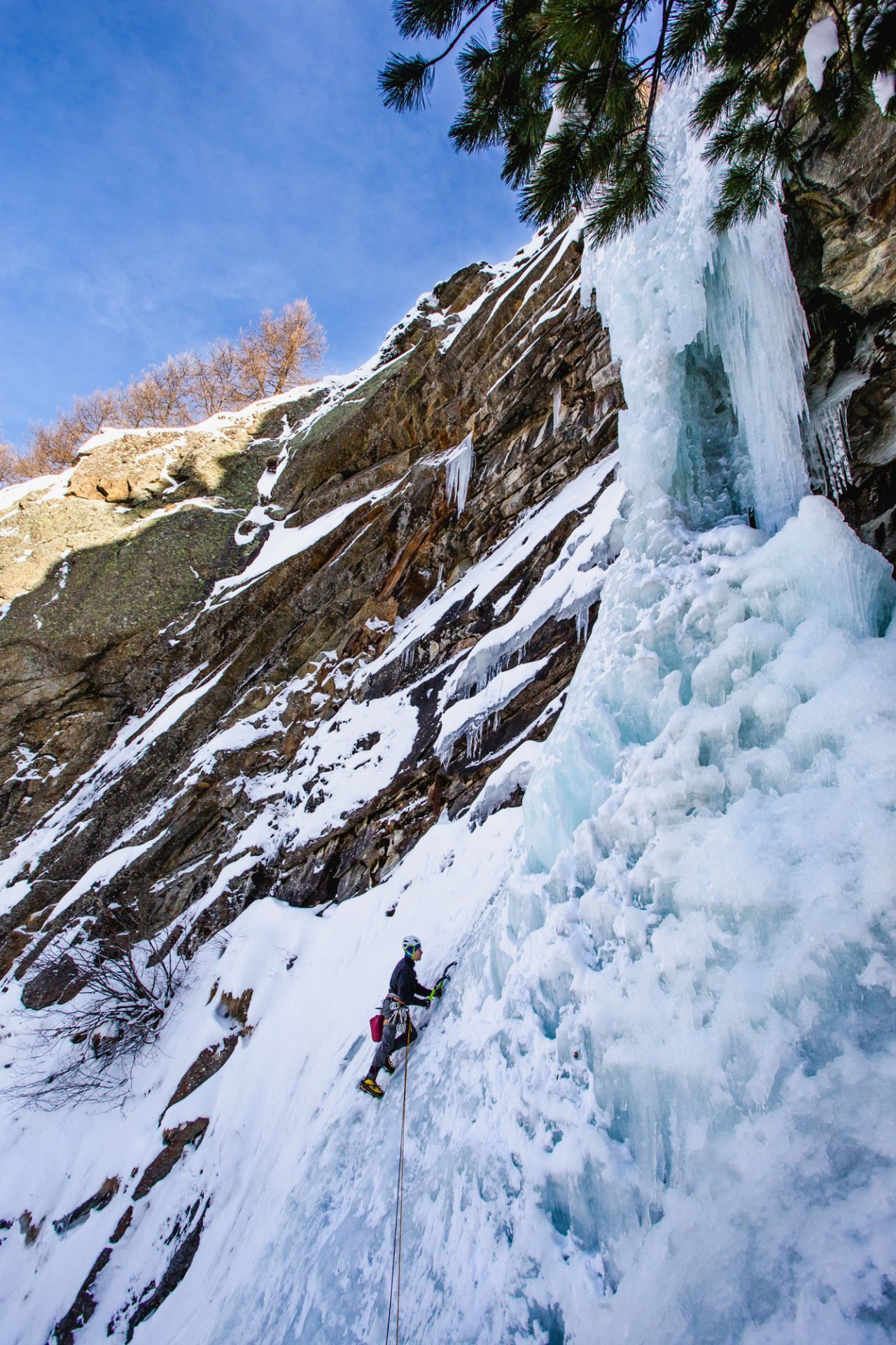 This Is Crampon Point Photo Outdoors Adventure Ice Climbing Places To Go [ 1920 x 1280 Pixel ]