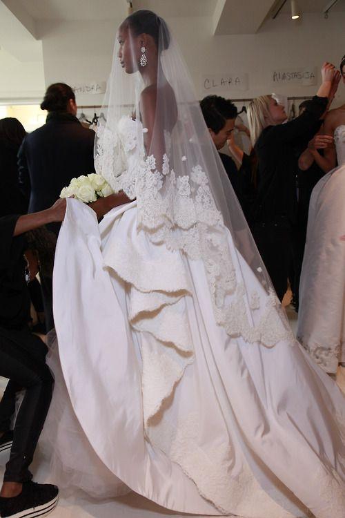 Oscar de la Renta Bridal 2015.