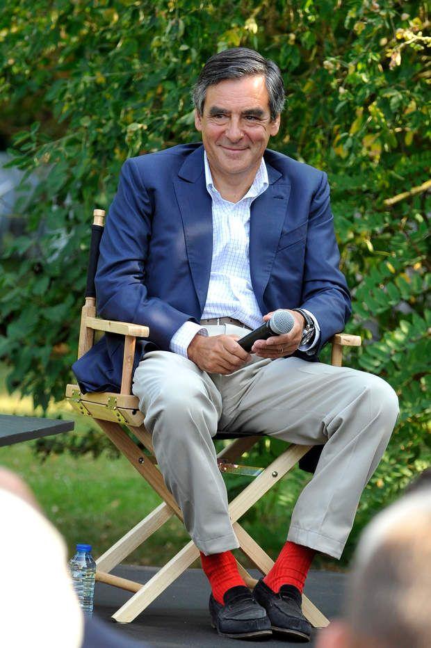 ece7e2efe77 Les chaussettes rouges de Francois Fillon   Les célèbres Gammarelli  adoptées également par Edouard Balladur.