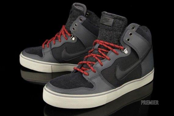 uk availability 6f8b1 34823 Nike Dunk High LR Winterized