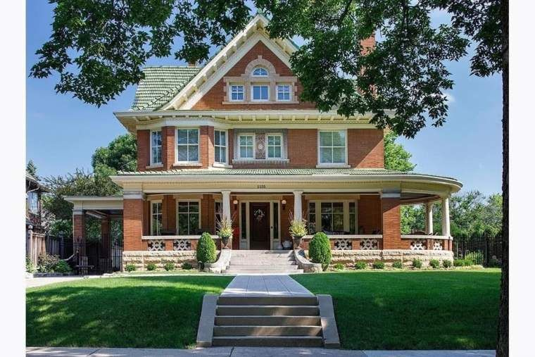 1909 Historic House For Sale In Saint Paul Minnesota Captivating Houses In 2020 Historic Homes Old Houses For Sale Built In Buffet