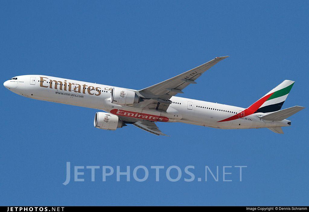 Photo of A6-ENJ Boeing 777-31HER by Dennis Schramm
