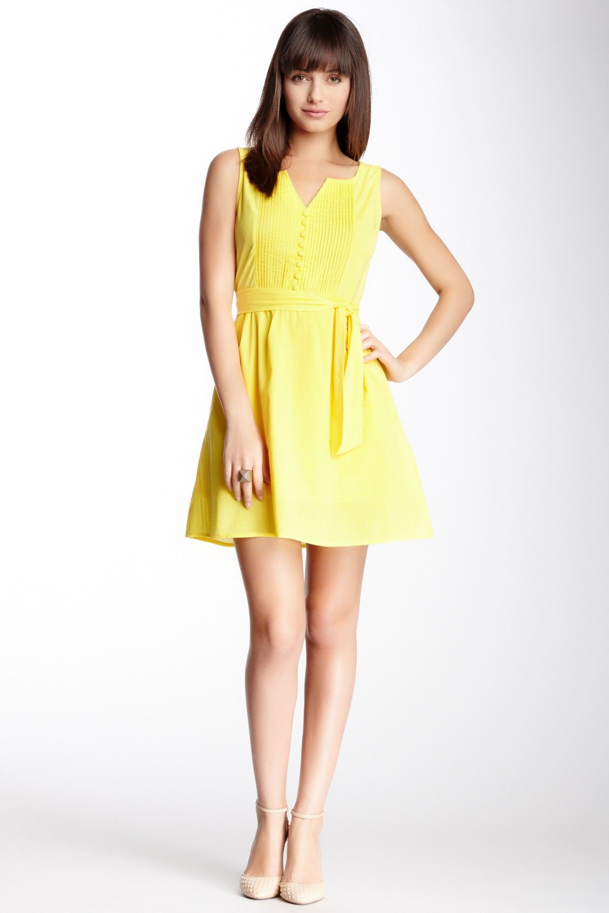 yellow pleated sleeveless dress  39915f732