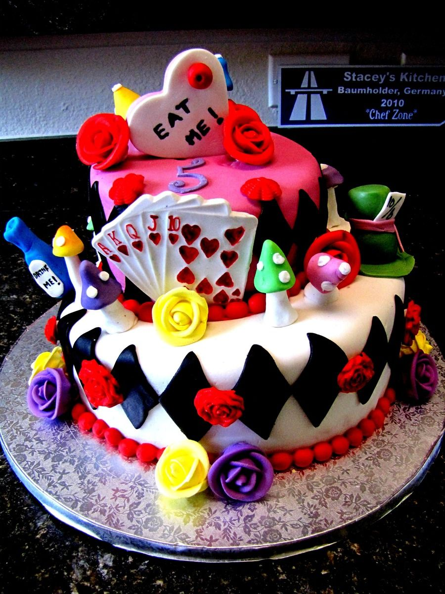 Alice In Wonderland Mad Hatter Birthday Cake With Images Mad