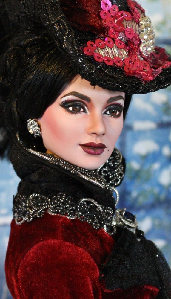 OOAK Tonner doll DRESSED repaint EVIL QUEEN Once Upon A Time REGINA OUAT #Tonner #DollswithClothingAccessories