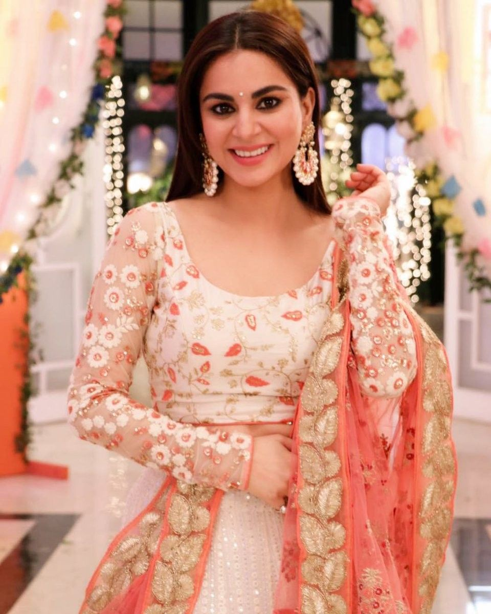 Preeta Arora | Kundali Bhagya Family | Indian dresses