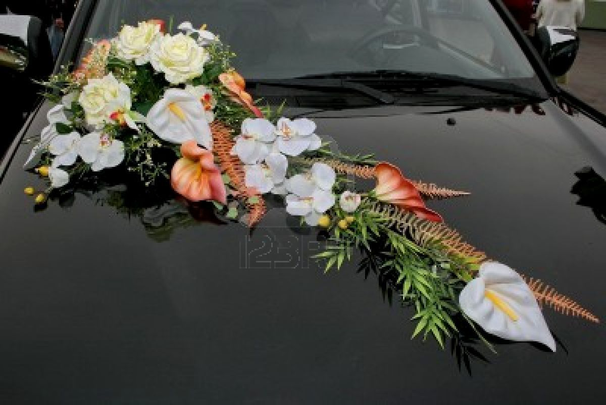 Wedding decorations for car  Wedding car with beautiful flowers  Wedding decorated cars