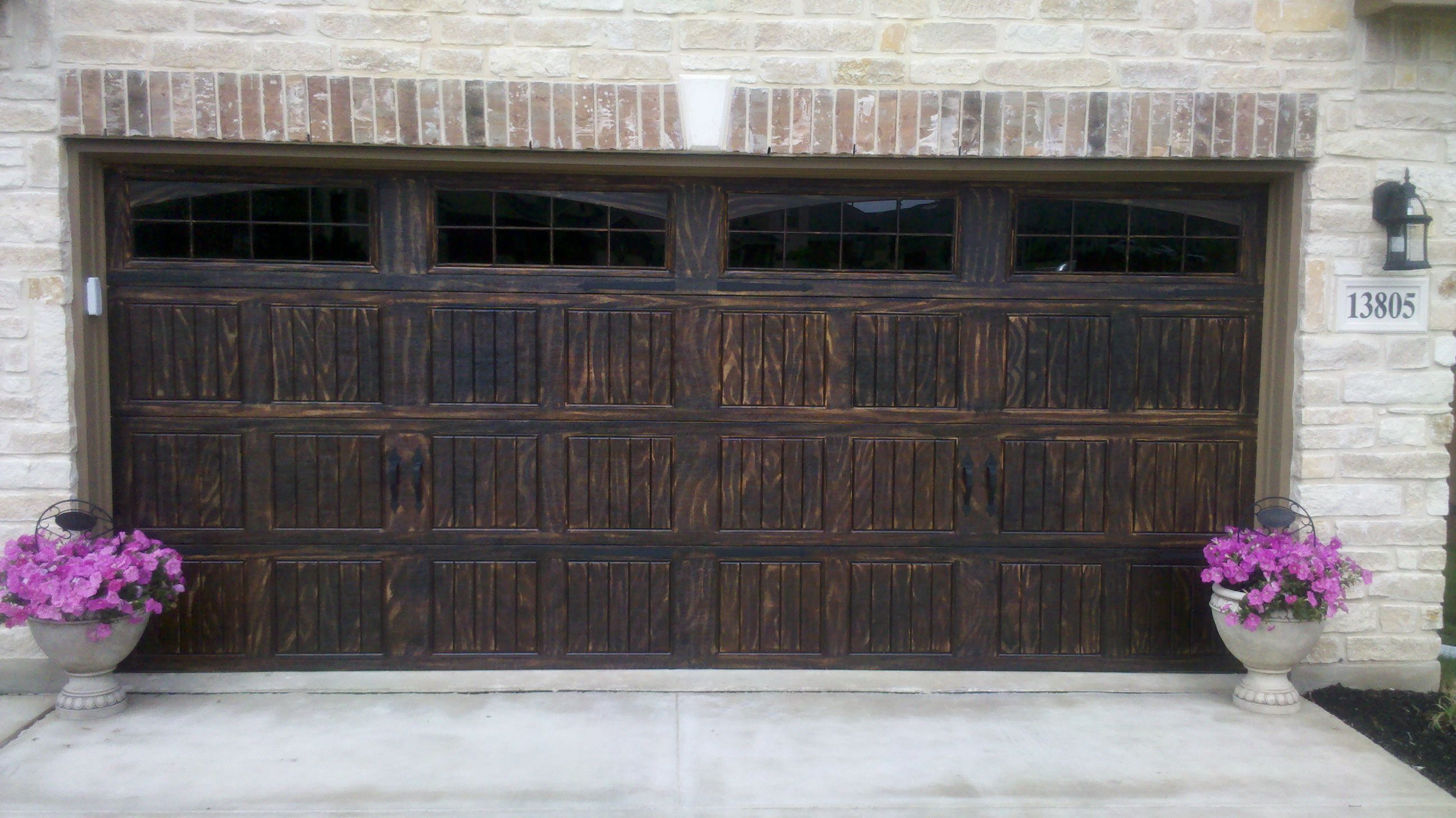 Wood grain painting on steel garage door 16x7 wayne for Wayne dalton garage doors
