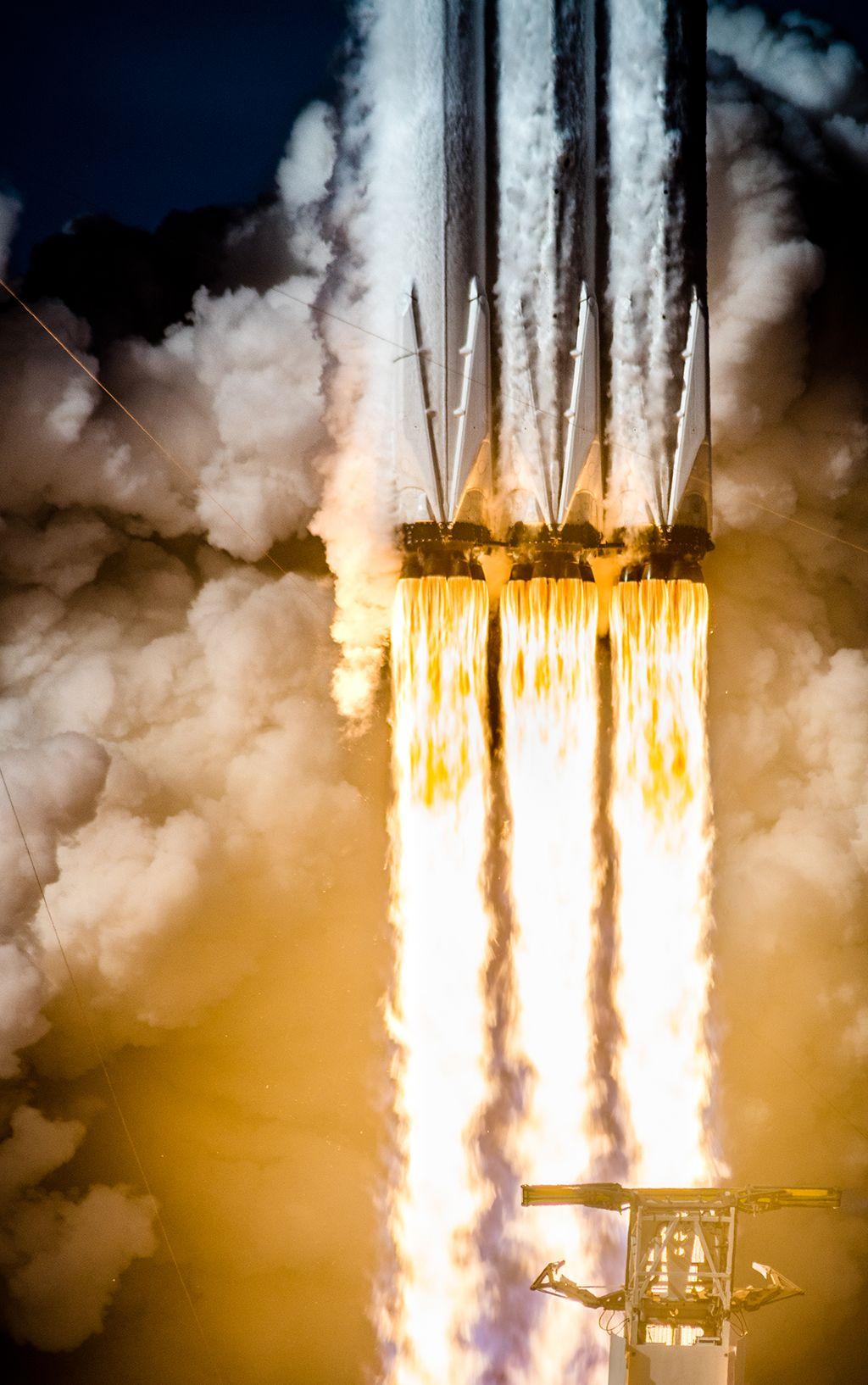 Falcon Heavy Engine Shot Spacex Falcon Heavy Spacex Falcon Falcon Heavy