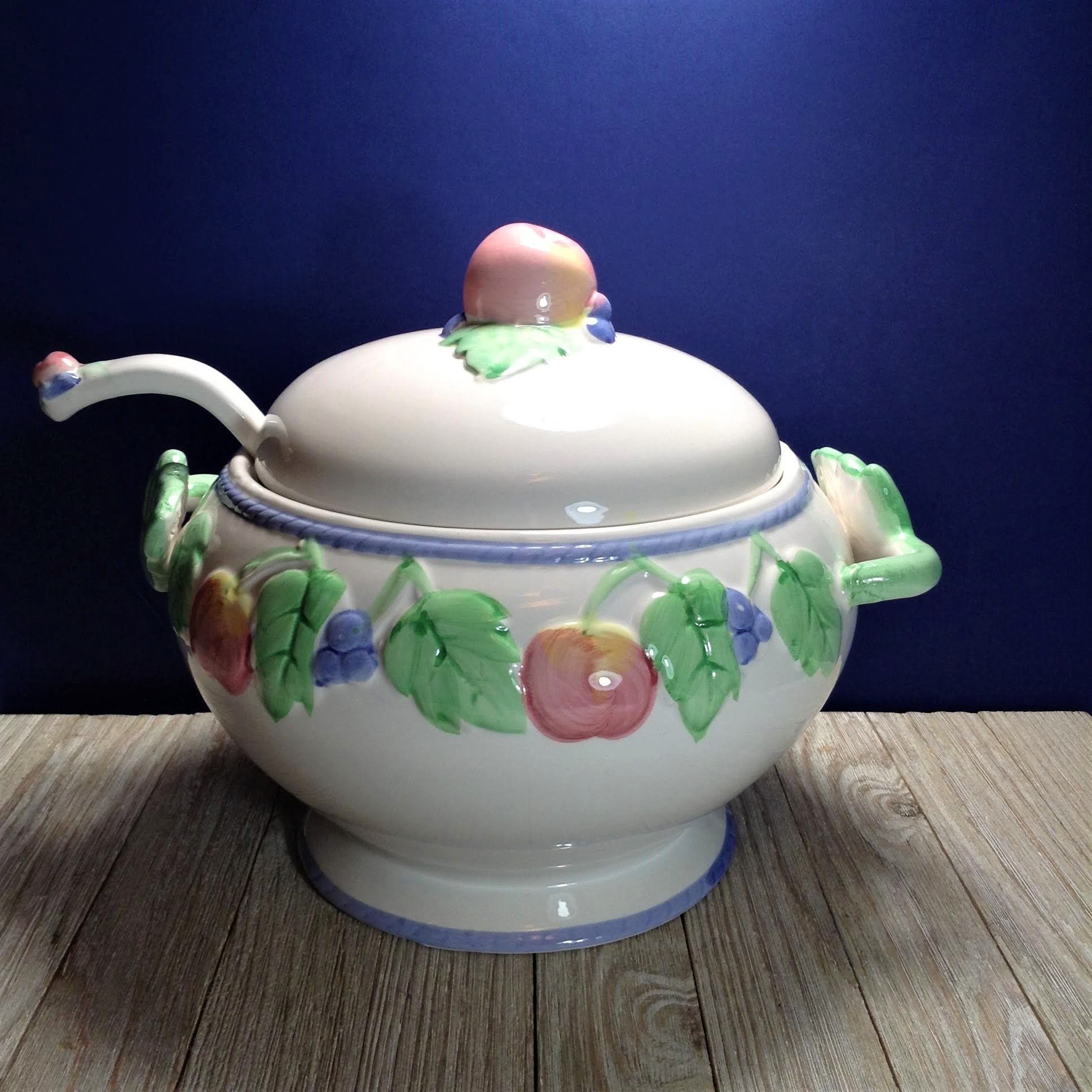 Vintage Soup Tureen Lid W Ladle 3 Pc Ceramic Figural Fruit Soup Tureen Set Cherries Blueberries And Leaves Li Tureen Lids Vintage Glassware Colorful Fruit