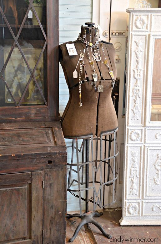 1000  images about Dress Form and Bling on Pinterest  Vintage ...