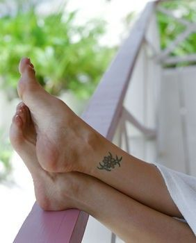 ankle tattoos ideas, ankle tattoo designs for girls, cute ankle tattoos images,feminine ankle tattoo designs