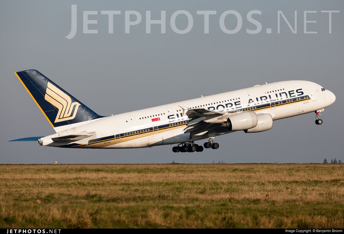 9VSKA Singapore airlines, Airbus, Different airlines