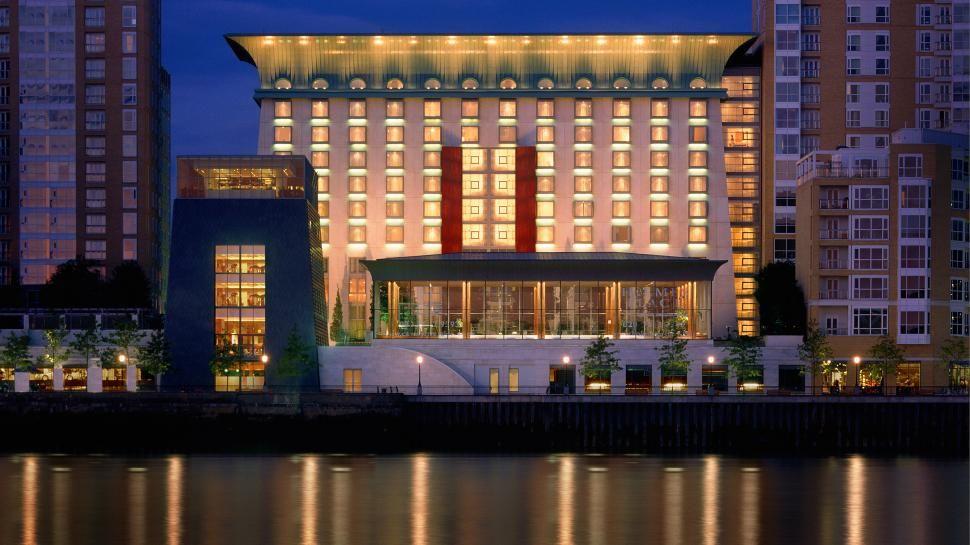 Four Seasons Hotel Canary Wharf London Pin