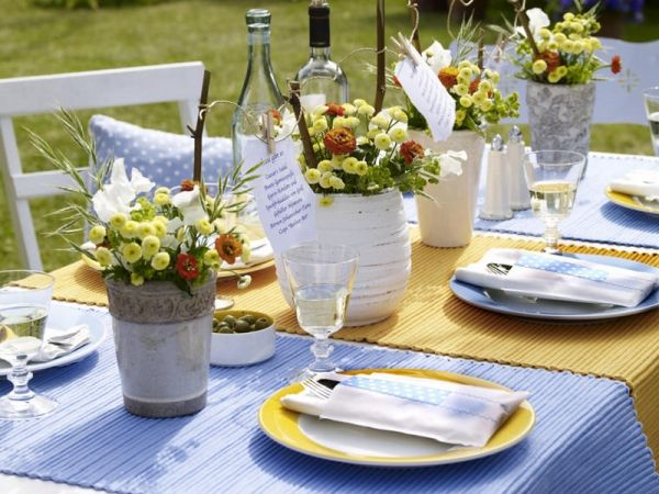 Decoration appealing colorful simple summer table for Outdoor dinner party decorating ideas