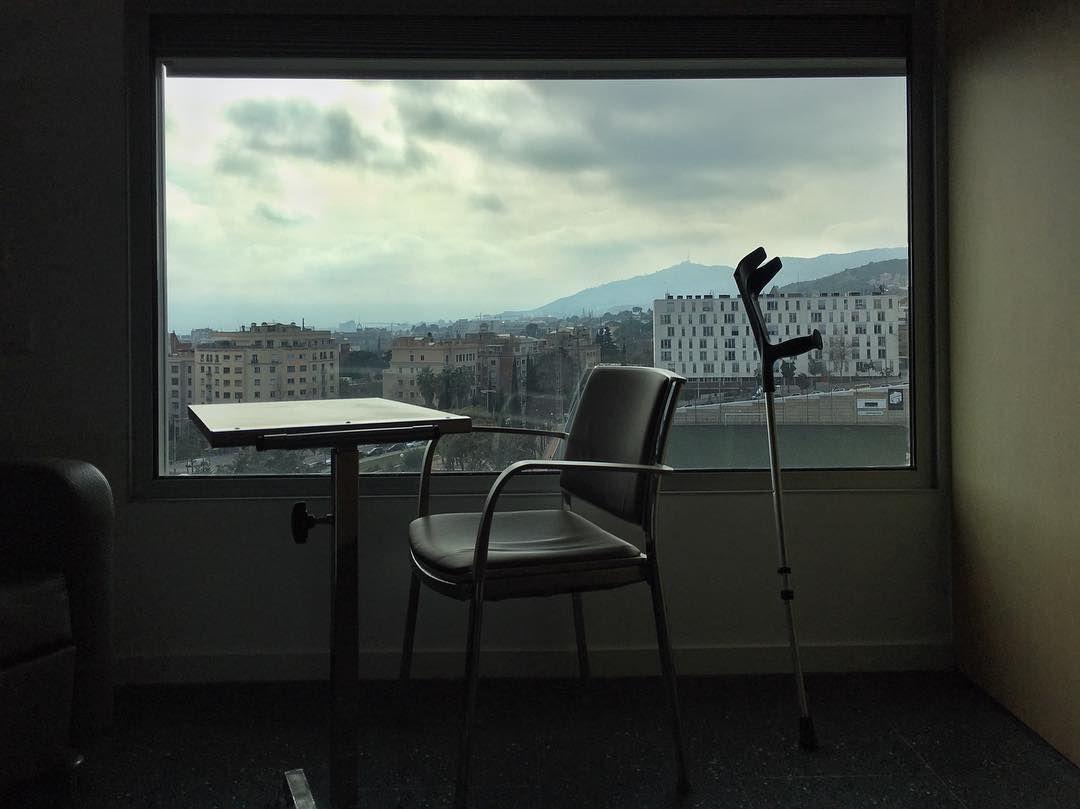 A Room with a View. #barcelona #barcelona_black #eyeemmagazine #eyeem #eyeemoninstagram #roomview #instacat_club #marcosparami