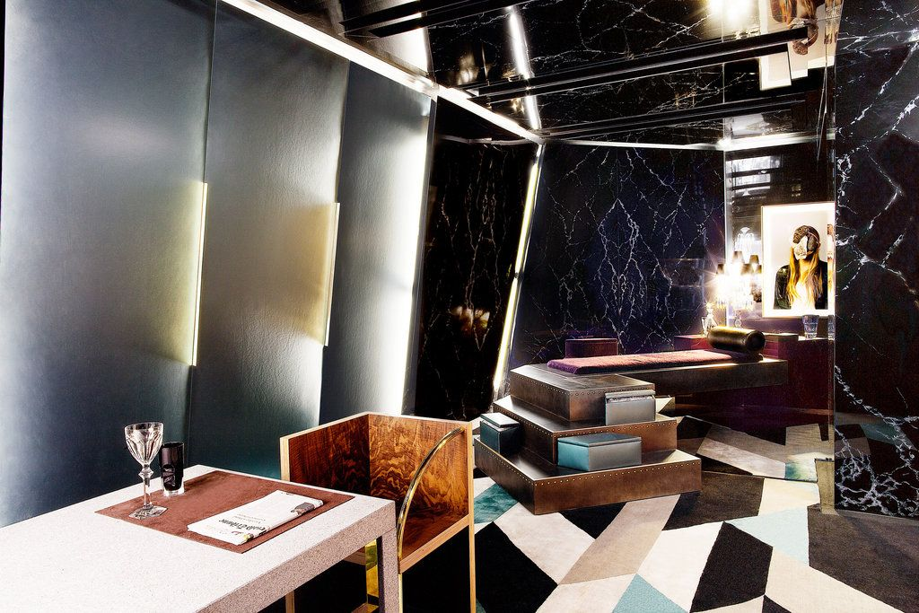 "A room by Rafael de Cárdenas for the exhibition ""Voyages Imaginaires"" at Artcurial. Paris Design Week"
