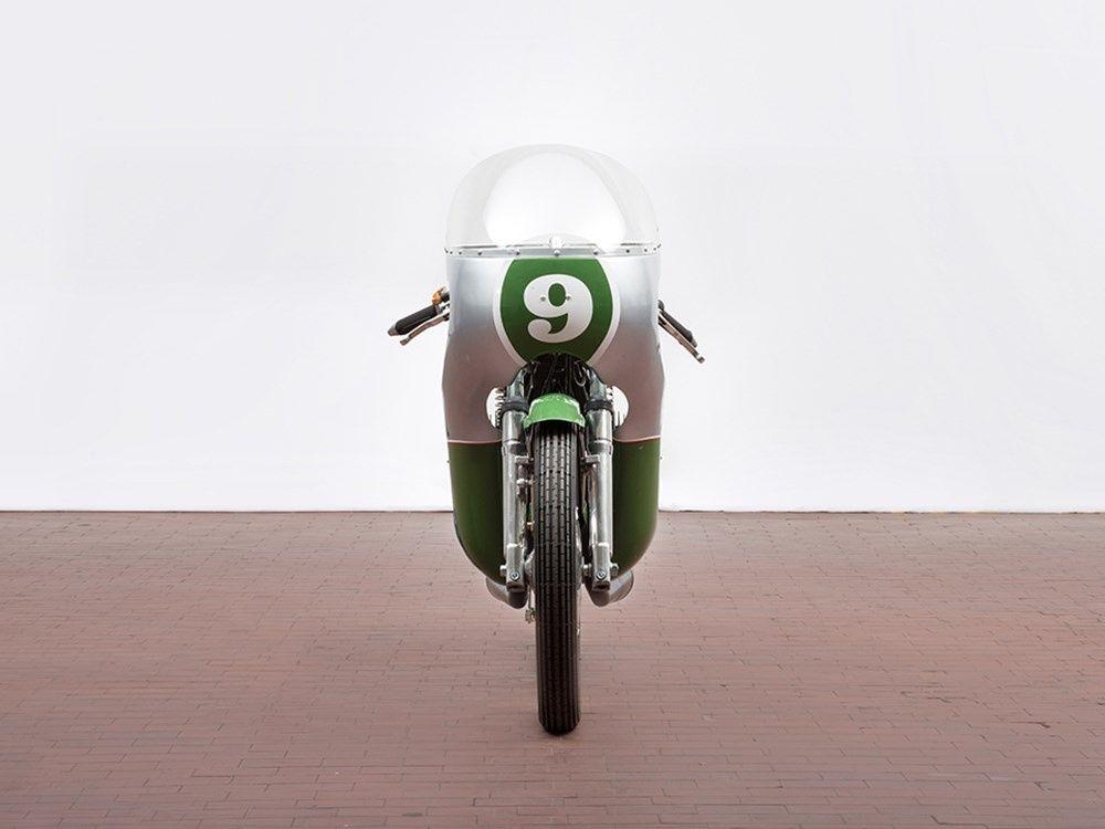 «old school garage» — 1968 Benelli 250 Racing