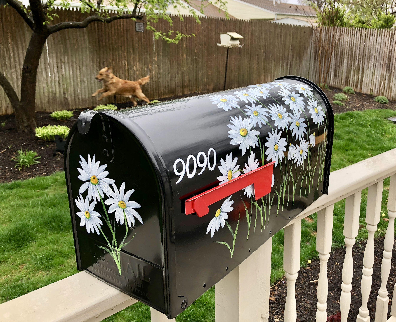 Daisy Mailbox White Daisy Mailbox Black Mailbox With White Daisies Floral Mailbox Dainty Daisies Hand Painted Daisy Mailbox Painted Mailboxes Mailbox Decor Black Mailbox