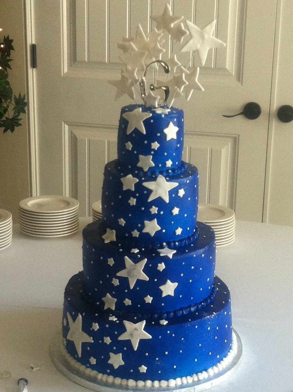 Midnight Blue Wedding Cake I Would Want The Cake White And