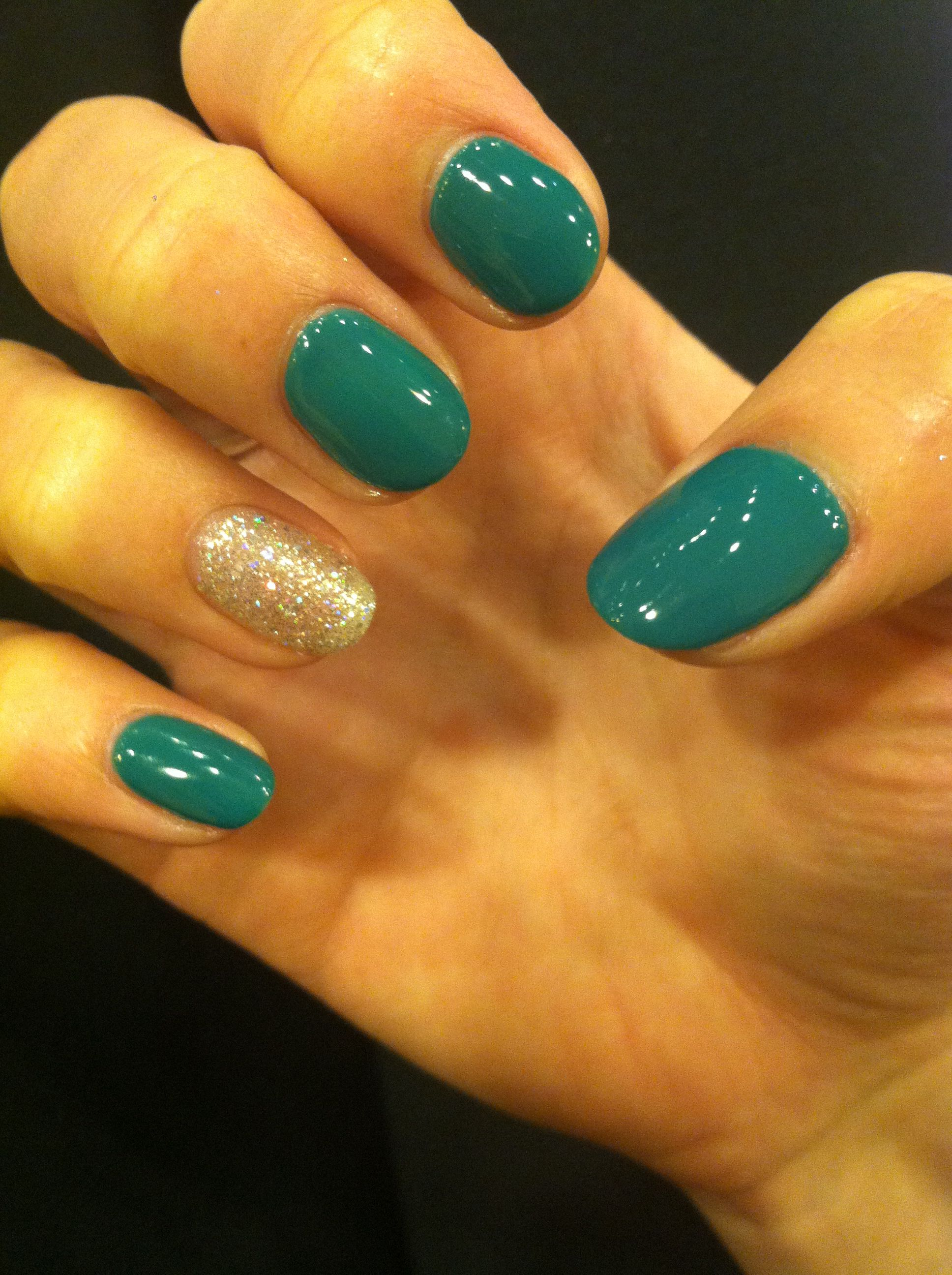 Emerald Green And Sparkly Silver Gel Nails For The Holidays Emerald Nails Nails Gel Nails