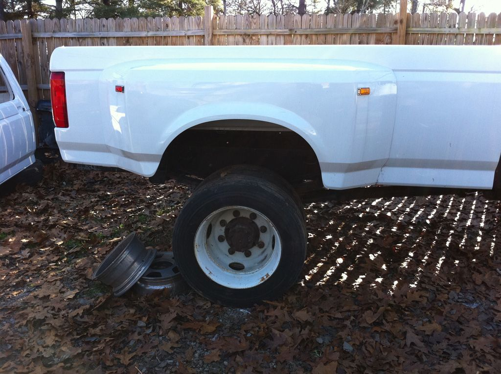 1996 ford crown victoria tire size