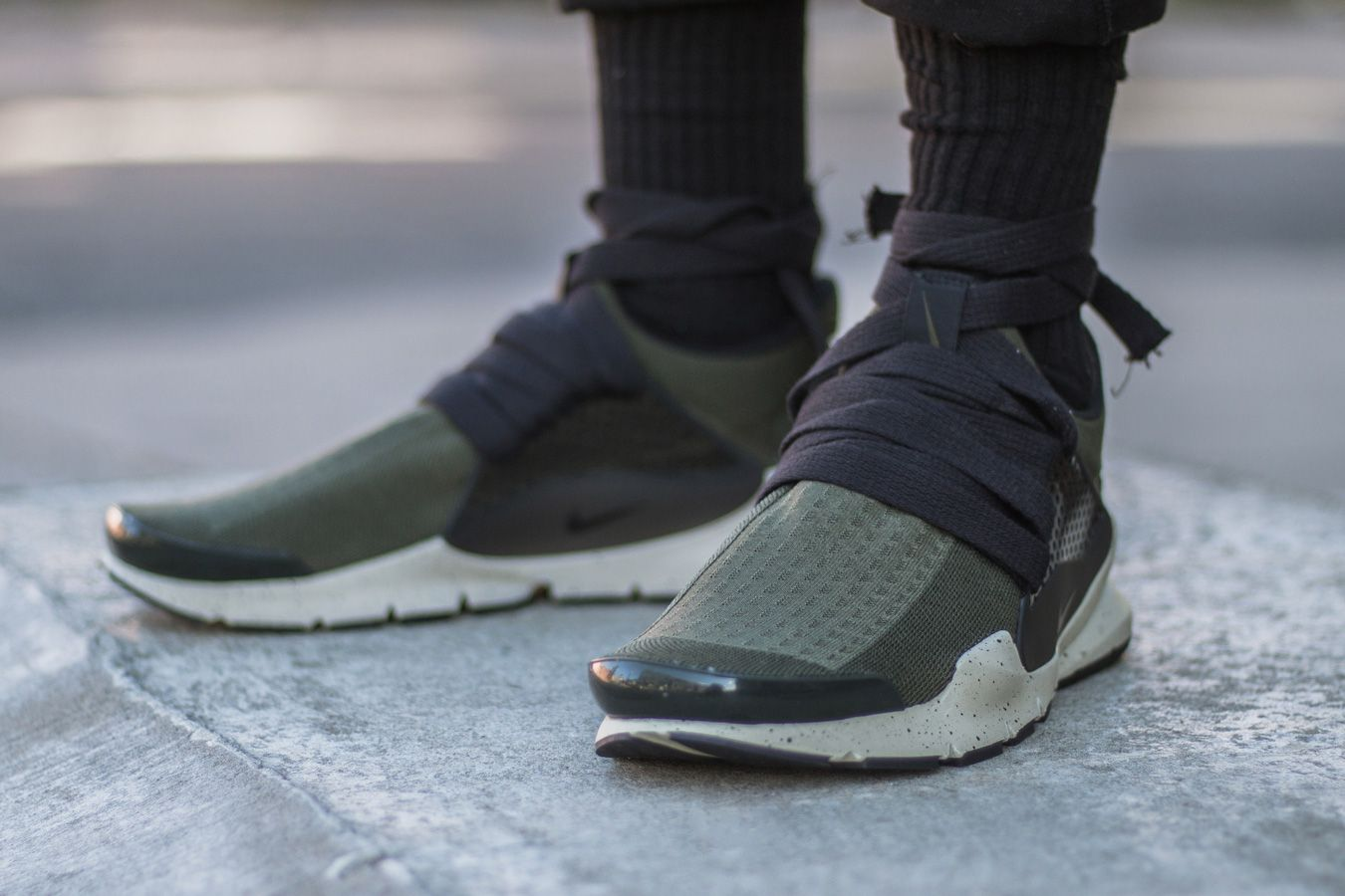 brand new f54d2 f492a Designer Eske Schiralli Customizes His Sock Darts With Laces ...