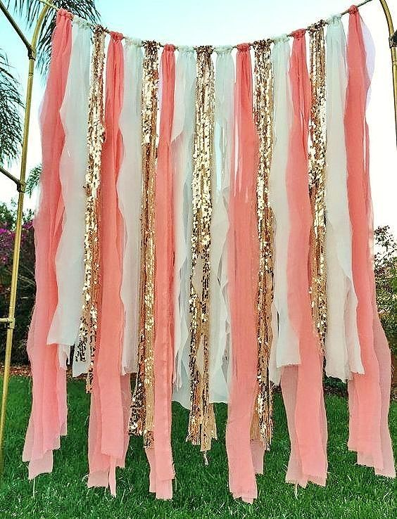 Easy DIY Graduation party decorations and picture ideas. Cheap and easy method for making a gorgeous photo backdrop or photo booth using dollar store crepe paper, streamers, or ribbon for both outdoor and indoor.
