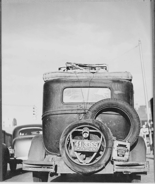 The rear of an Okies car. Dust bowl, Old photos