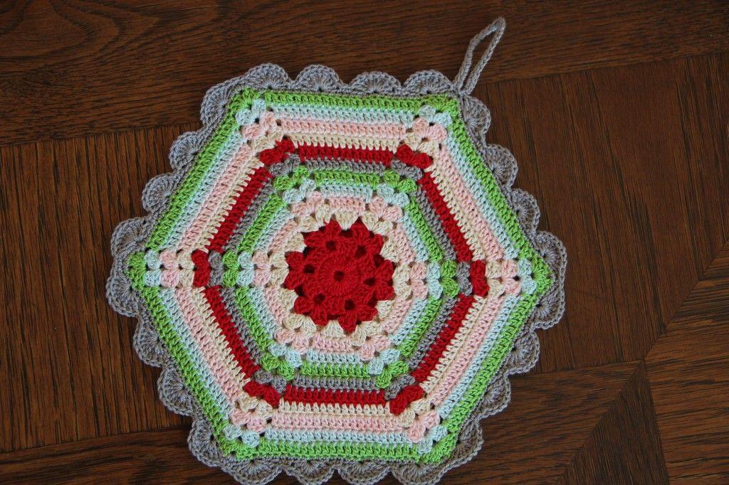 alipyper - free vintage crochet climbing trellis hexagon potholder ...