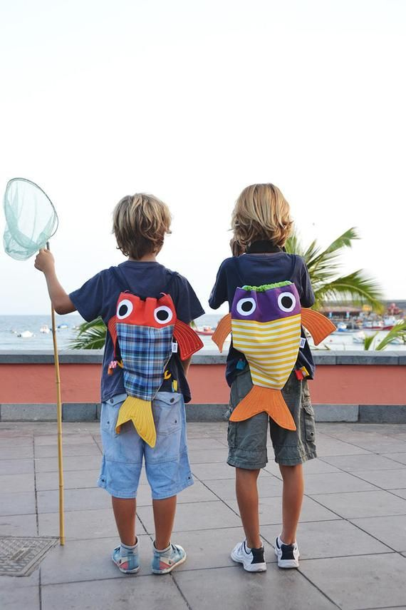 Fish string backpack – Lovely Kids backpacks. Hot colors . Funny fishtail summer bag . Chicharros – Costurilla – PREORDER