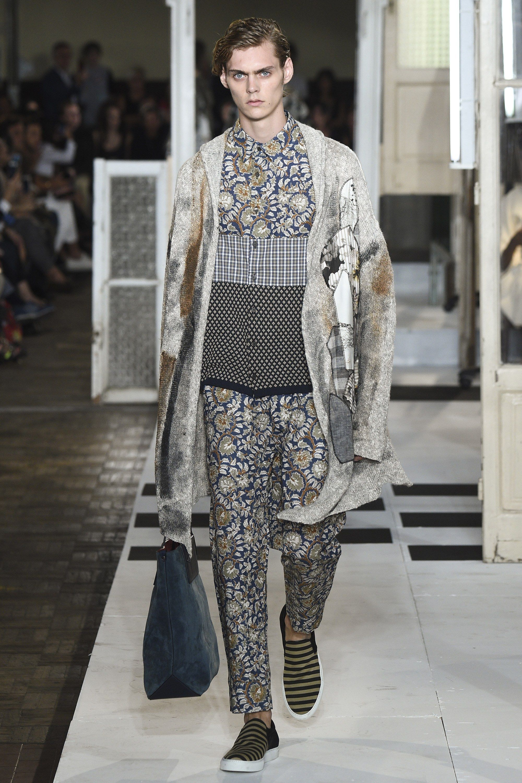 AntonioMarras  fashion  Koshchenets Antonio Marras Spring 2017 Ready-to-Wear  Collection Photos - Vogue 0eb9874b617