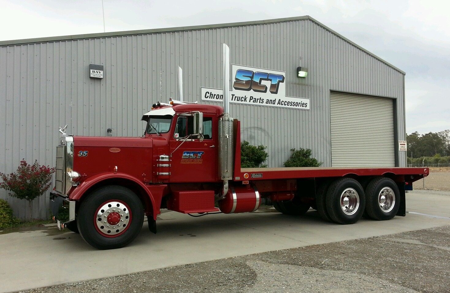 Needlenose pete with a mercury sleeper trucks pinterest peterbilt biggest truck and peterbilt trucks