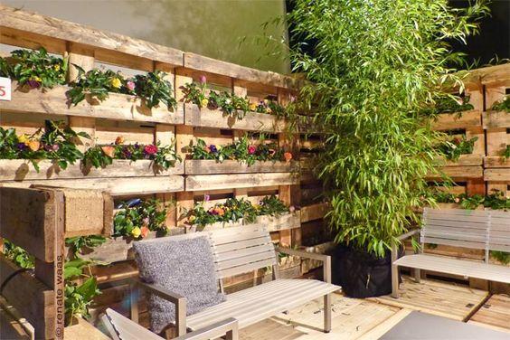 Ein Zaun hat natürlich zur Funktion, den Garten zu begrenzen Aber