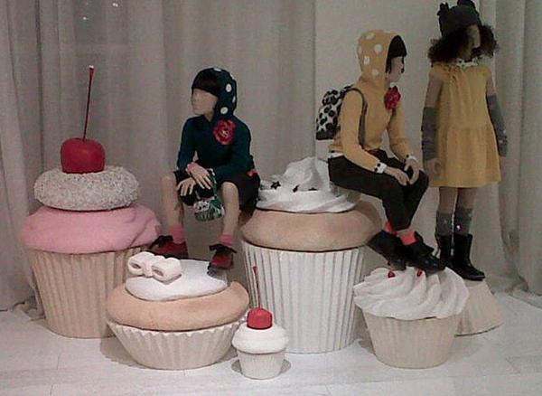 mock up, cupcake pitti bimbo 2012 simonetta realizzazione di mock up in polistirolo per l'allestimento di simonetta, pitti bimbo 2012, firenze.